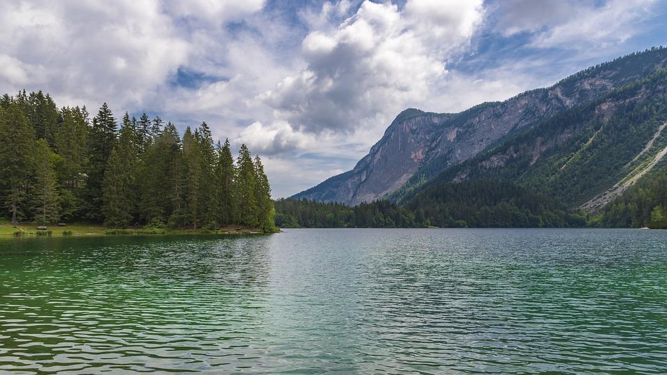 Lago di Tovel: natura e sentieri per tutta la famiglia